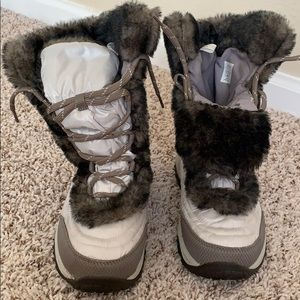 Girls fur North Face boots